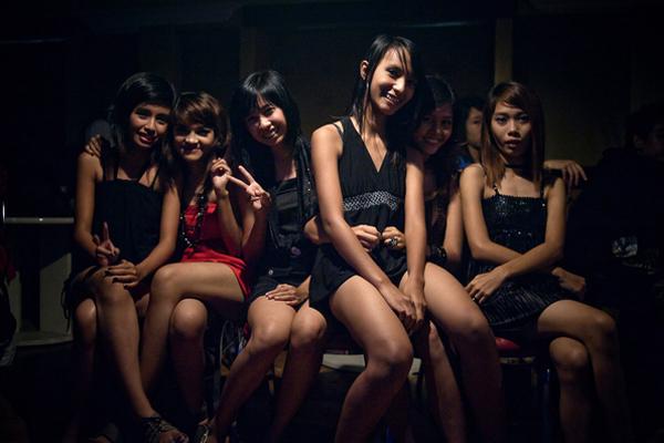 Birmanie, Hip Hop Underground, Rock - Page 2 Rangoon_hip-hop_002