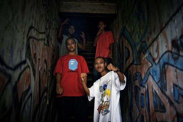 Birmanie, Hip Hop Underground, Rock - Page 2 Rangoon_hip-hop_003