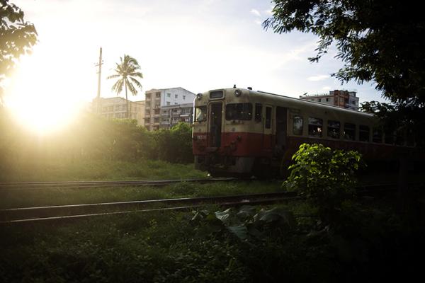 Birmanie, Hip Hop Underground, Rock - Page 2 Rangoon_hip-hop_007